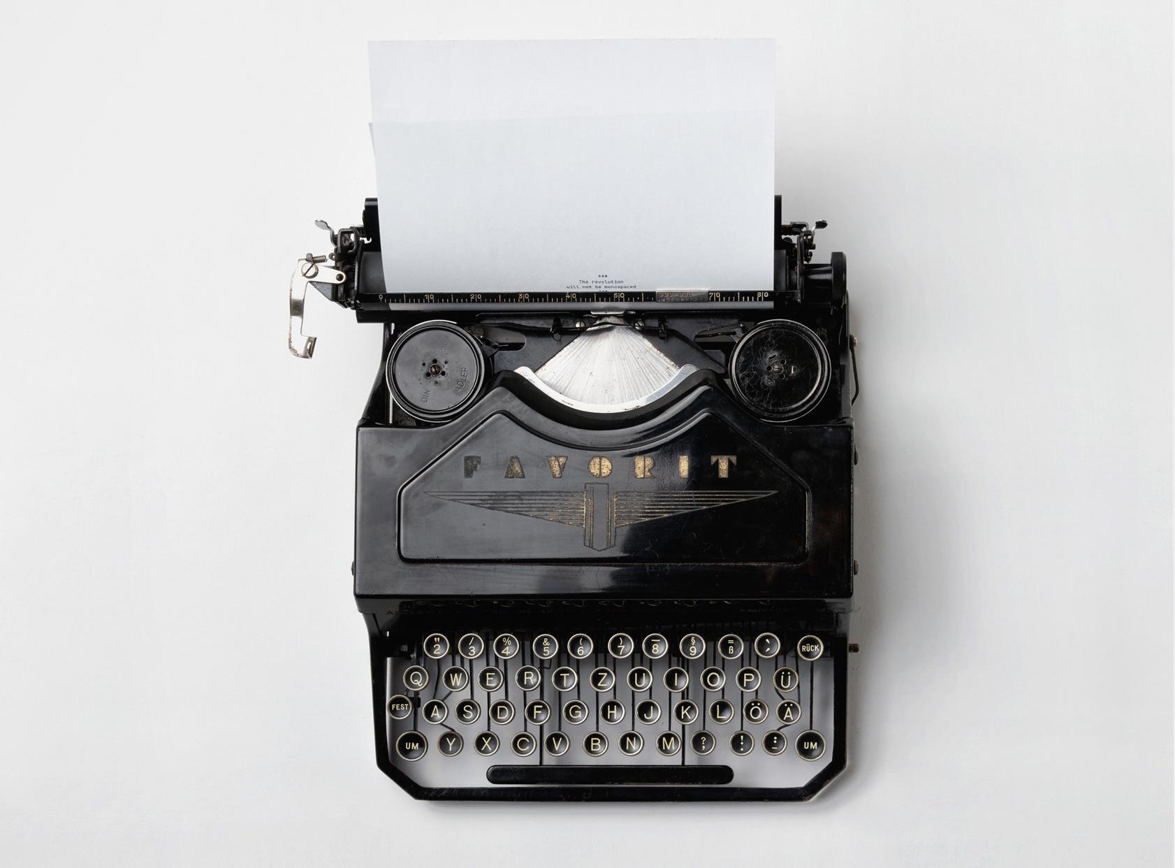 black-typewriter
