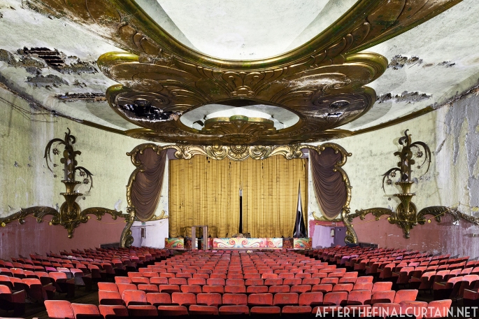 After the Final Curtain: Matt Lambros Photographs America's Movie Theaters in Ruins