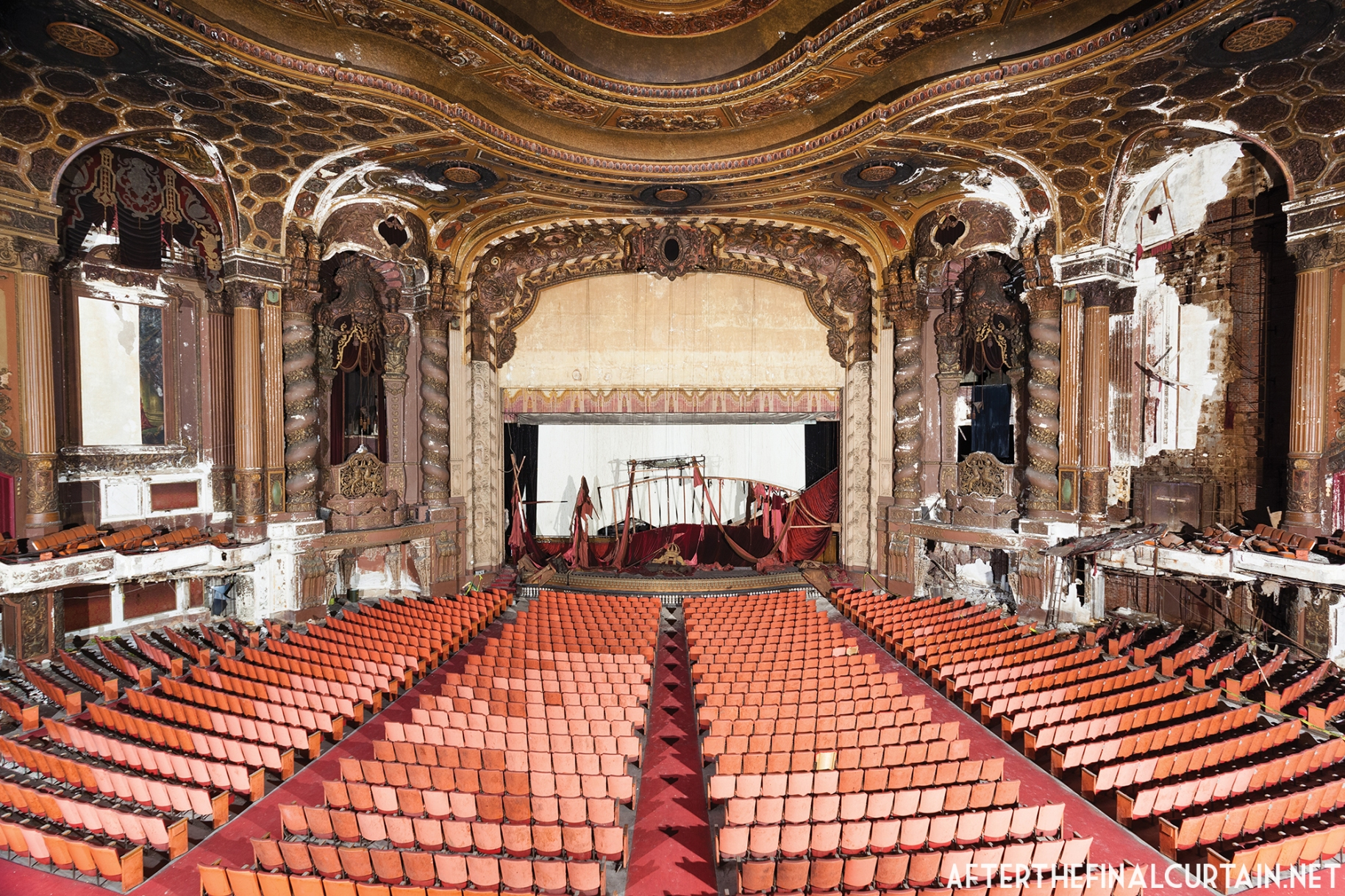 The Loew's Kings Theatre in Brooklyn, New York, designed by the architectural firm of Rapp and Rapp. All images courtesy of Matt Lambros, After the Final Curtain.