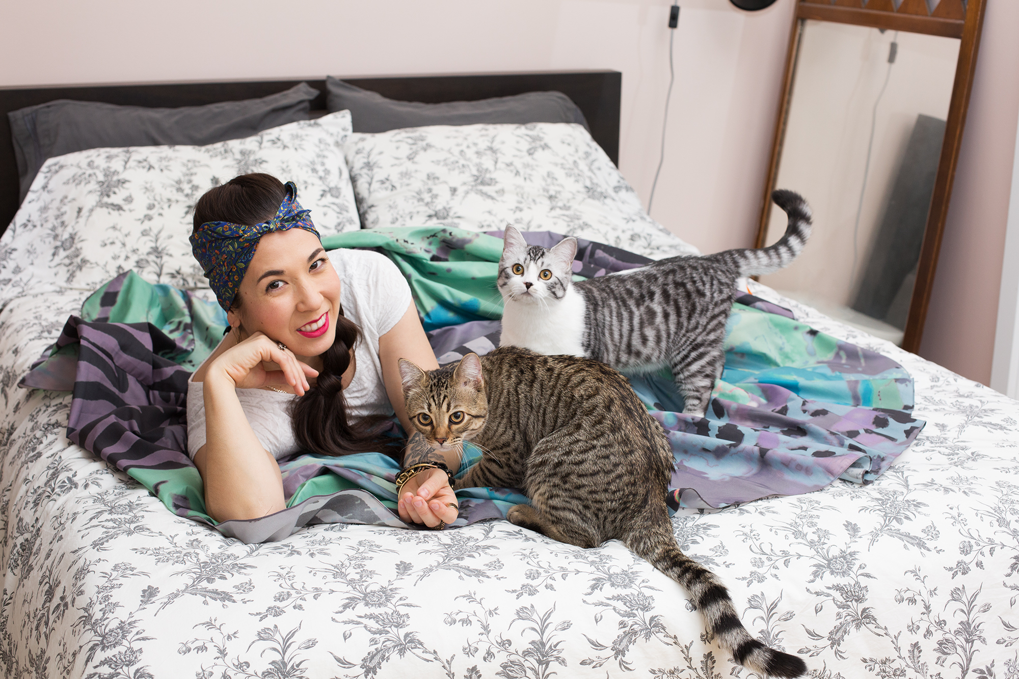Purrfect Portraiture: <em>Girls and Their Cats</em> by Photographer BriAnne Wills